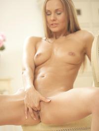 Sabina Moore Fingering Her Sweet Pussy 12