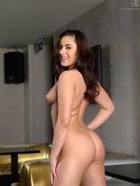 Nikki Waine Getting Naked 14