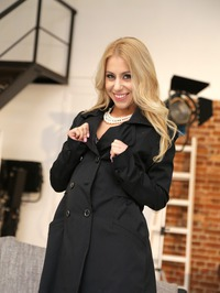 Busty Blonde Pornstar Nikky Thorne 00