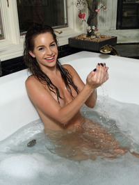 Bath Time With Kimmy Granger 13