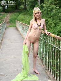 Lilia Hippie 14