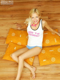 Hot Blonde With Pillows 02
