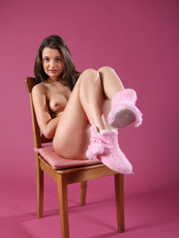 Liona In Nice Boots 00