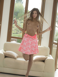 Maria Undressed Herself Showing Her Pink Clit 09