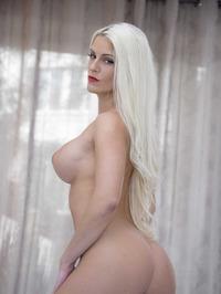 Big Boobed Blanche Bradburry Gets Nude In The Bedroom 10