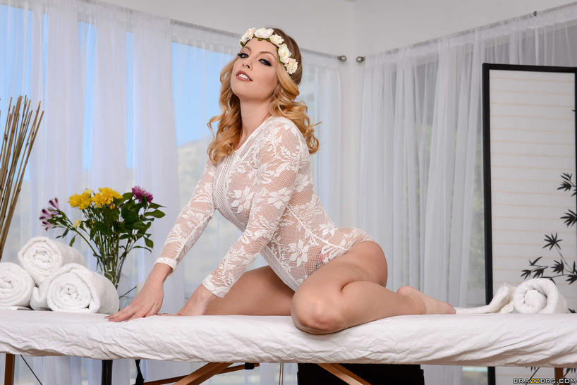 Britney Amber Strips Off Her Sexy White Lace Bodysuit