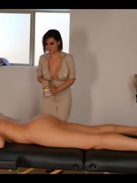 Bryci And Katie Banks Lesbian Massage 00
