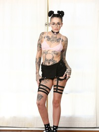 Cute Punk Babe Leigh Raven Shows Her Tits 04