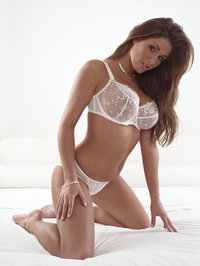 Lucy Pinder Nude And Non Nude 14