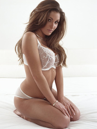Lucy Pinder Nude And Non Nude 19