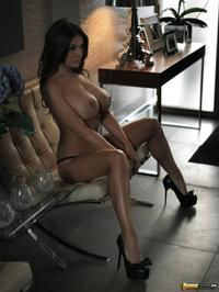 Beauty Lucy Pinder Shows Off Her Huge Breasts 05