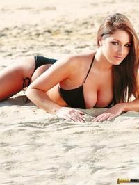 Lucy Pinder Exposing Her Amazing Tits 01