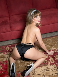 Dillion Harper Strips And Masturbates On The Rug 07