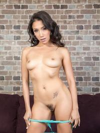 Sexy Hot Babe Vicki 09