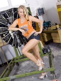 Nikita Valentin Stripping 02