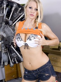Nikita Valentin Stripping 06