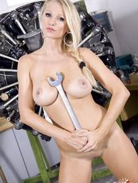 Nikita Valentin Stripping 27