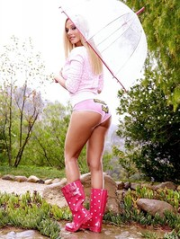 Sandy Fantasy in the rain 00