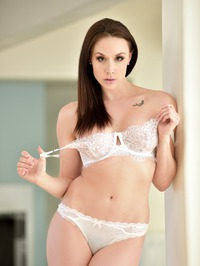 Busty Mature Babe Chanel Preston Stripping 03