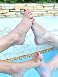 Danielle Maye And Loulou Petite 04