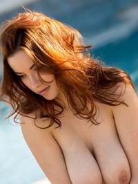 Elizabeth Marxs Shows Off Her Hot Body By The Pool 13