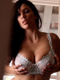 Jelena Jensen Shows Off Her Spicy Curves 02