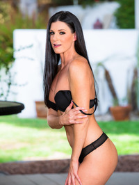 Dark Haired Beauty India Summer Gets Nude Outside 01