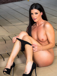 Dark Haired Beauty India Summer Gets Nude Outside 10