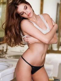 Hungarian Beauty Palvin Barbara 04