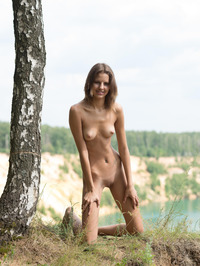 Slim Brunette Sandra Lauver Naked In The Nature 02