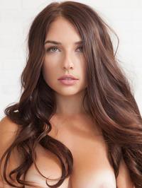 Busty Brunete Beauty Babe Niemira 00