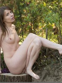Jemma Outdoors 04