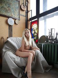 Erotic Blonde Adele 00