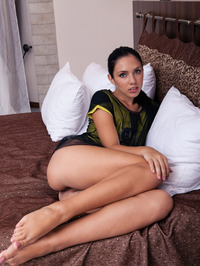 Kantata Gets Nude And Spreads 05