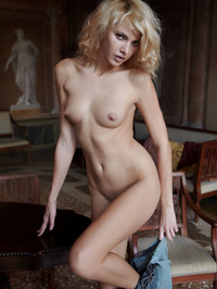 Erotic Blonde Lilly 15
