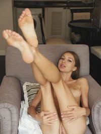 Leila Mazz Stripping And Spreadding 09