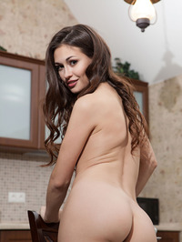 Sexy Brunette Beauty Lilian Naked In The Kitchen 05