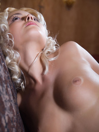 Adorable Blonde Martha Shows Her Sexy Naked Body 06