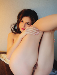Glamour Perky Titted Lilian A 16