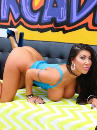 Big Boobed Latina Babe August Taylor Strips And Spreads 10