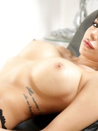 Jaclyn Taylor Exposing Big Tits 11