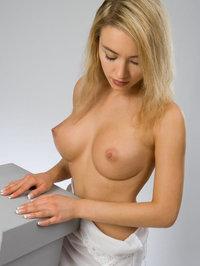 Naked Kassie Lyn Posses 04