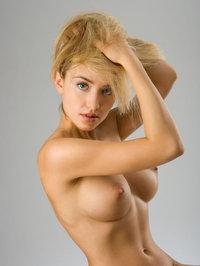 Naked Kassie Lyn Posses 09