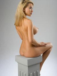 Naked Kassie Lyn Posses 10