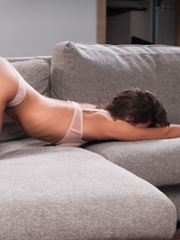 Lindsey Gets Horny In The Couch 00