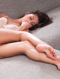 Lindsey Gets Horny In The Couch 04