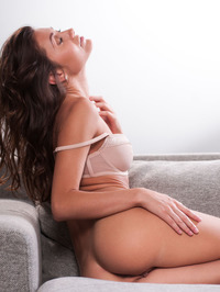 Lindsey Gets Horny In The Couch 09