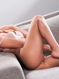 Lindsey Gets Horny In The Couch 10
