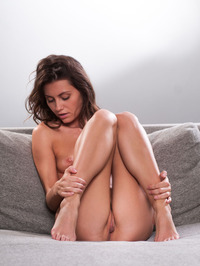 Lindsey Gets Horny In The Couch 11
