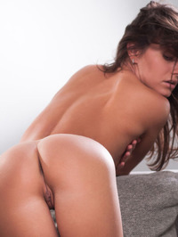 Lindsey Gets Horny In The Couch 14